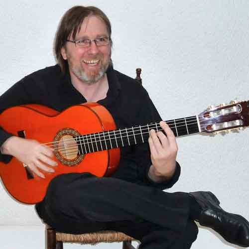 Wille Grote an der Flamenco-Gitarre