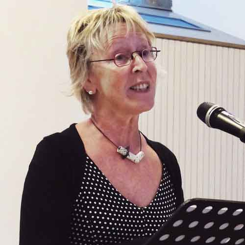 Vorleserin Annette Ziebeker