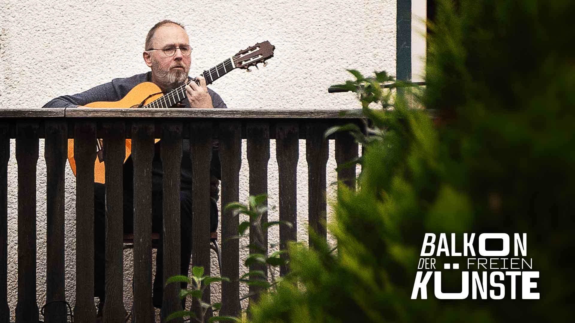 La Guitarra Flamenca: Willi Grote auf dem Balkon der freien Künste